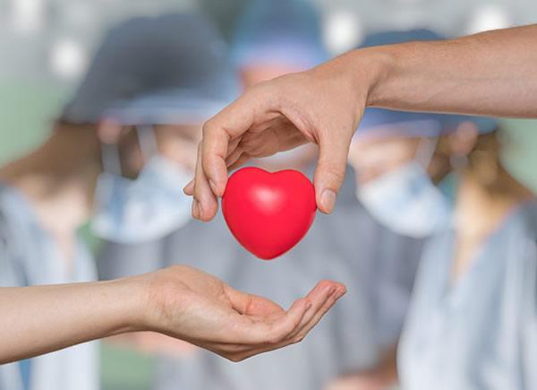 4 passos para ajudar uma pessoa sob risco de suicídio